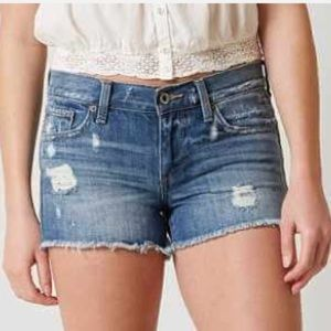 📣30% OFF Lucky Brand Riley cut off Jean shorts 31